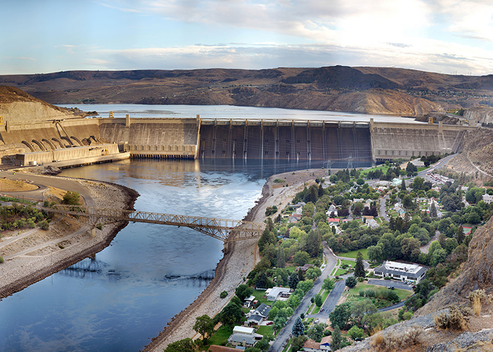 Photo of Grand Coulee Dam.